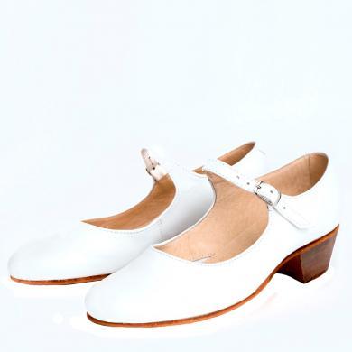 Купить белые туфли на девочку для народно-характерных танцев